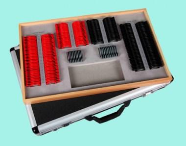 CASSETTA 232 LENTI PIANE cerchio plastica in valigia